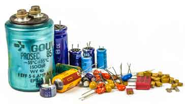 Selection of leaded & SMD capacitor types.
